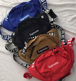 Supreme bag / Fanny pack for Sale in Miami, FL