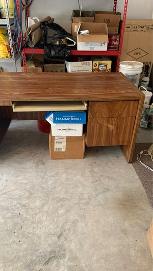 Nice wood desk with left hand side bar. Just moved and desk too big for office. for Sale in Houston, TX