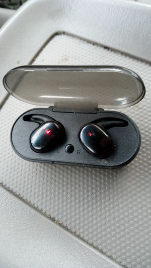 Bluetooth wireless headsets for Sale in Wasco, CA
