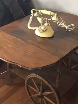 Vintage Wooden Cart Table. Drop Leaf. Wobbly Wheel. $75 for Sale in Columbus,  OH