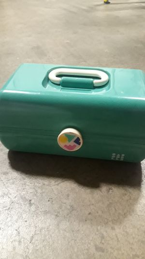Caboodles green nothing broken or wrong with for Sale in Chula Vista, CA