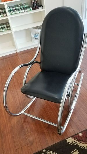 Rocking chair for Sale in Manassas, VA