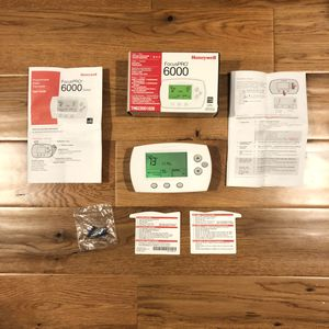 Honeywell focusPRO 6000 thermostat for Sale in Gresham, OR
