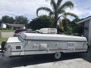 2002 Coleman Fleetwood pop up camper for Sale in Poinciana, FL