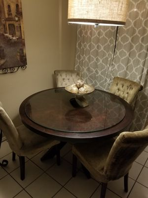 Dining table and 4 chairs 46 inch wide for Sale in Glendale, AZ