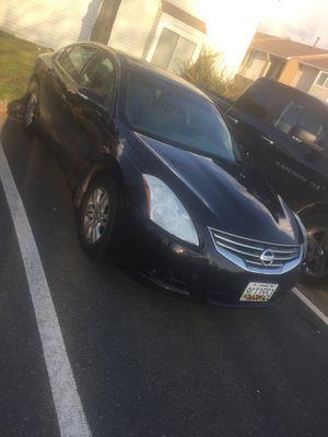 2011 Nissan Altima 105,000 millas lo vendo por 4,800 for Sale in Manassas, VA