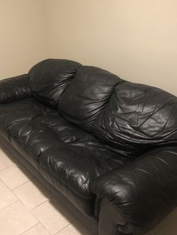 Black Leather Couch for Sale in Woburn,  MA