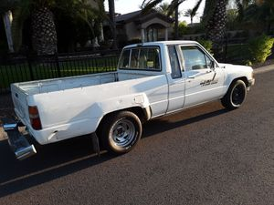 Toyota pickup 86 extra cab 4 cyli.. $2450 for Sale in Phoenix, AZ