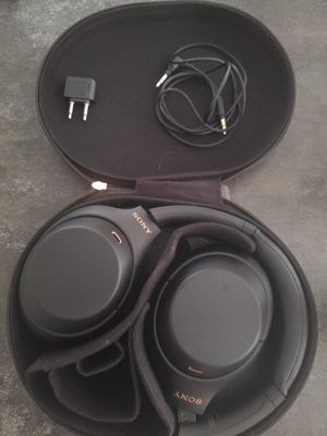 Sony Wh-1000XM4 for Sale in Mansfield, TX