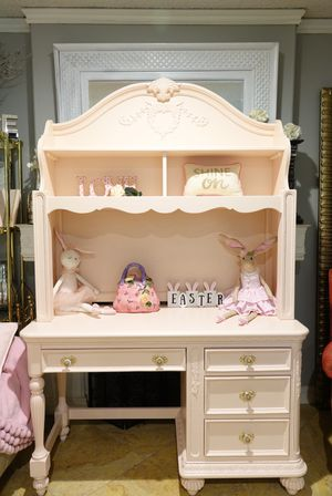 Blush Pink Desk w/ Hutch and Gold & Crystal Handles for Sale in Covina, CA
