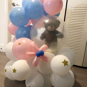 Gender reveal bouquet with Teddy bear for Sale in Hialeah, FL
