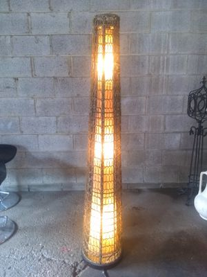 5.5ft tall wicker lamp for Sale in Cleveland, OH