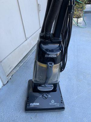 Eureka Upright Bagless Vacuum for Sale in Redondo Beach, CA