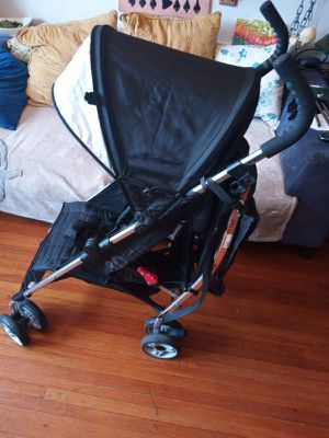 Summer stroller 3D lite . In excellent condition. for Sale in Queens, NY