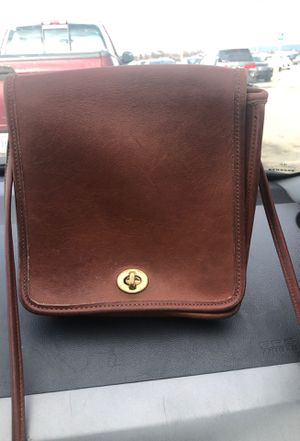 Coach cross body purse vintage for Sale in Inwood, WV