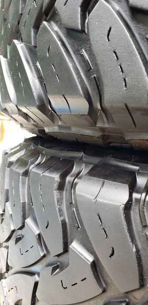 (2) 35x12.50x17 TOYO TIRES for Sale in Tampa, FL