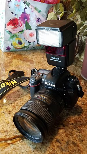 Nikon D610 full frame with lens - excellent condition low shutter count for Sale in Orange, CA