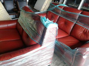 Electric recliner couch loveseat leather for Sale in Detroit, MI