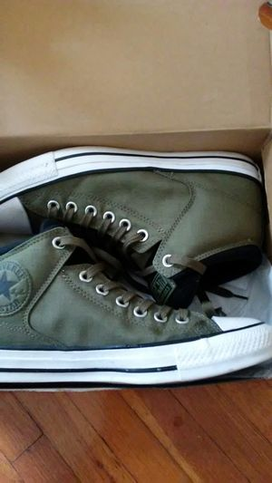 Brand new Olive converse unisex size 8 men's 10 women's for Sale in GRANDVIEW, OH