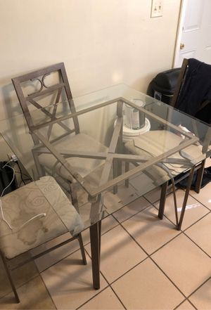 Kitchen table for Sale in Gibsonton, FL