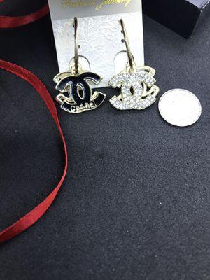 Nice earrings dangle for Sale in San Jose, CA