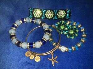 Alex and Ani Bracelet Set for Sale in Kissimmee, FL