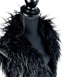 🖤 New! Black Furry Lined Vest w Pockets Size Medium for Sale in Big Bear, CA