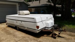 1995 Coleman pop up camper with AC sleeps up to 6 for Sale in Winter Springs, FL