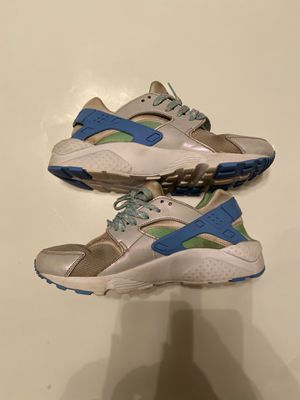 Nike Youth 6.5Y Air Huarache Silver Mint Blue Shoe 654280-002 for Sale in Zachary, LA