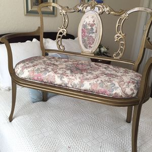 Beautiful Vintage Bench for Sale in Pompano Beach, FL