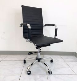 New in box $85 Executive Computer Office Chair Mid Back Adjustable Seat Recline PU Leather for Sale in El Monte,  CA