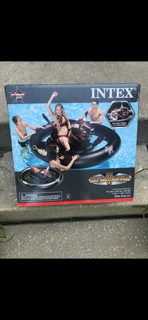 Pool water float (Bull ride on game) for Sale in Glyndon, MD