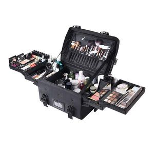"""Nylon Cosmetic Makeup Train Case 17x13x9"""" for Sale in City of Industry, CA"""