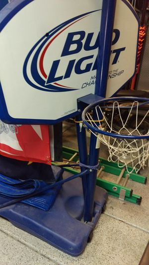 Mancave basketball hoop New Bud collectible for Sale in Las Vegas, NV