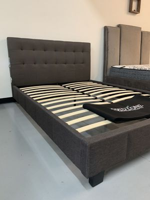 New Bluetooth Speaker Bed Frame : Queen / King / California King : Mattress Set Sold Separately - No Box Spring Required for Sale in Concord, CA
