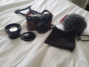 Fujifilm x100f camera for Sale in Pembroke Pines, FL