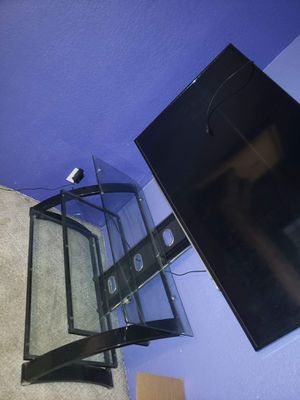 Entertainment center and flat screen TV for Sale in Kennewick, WA