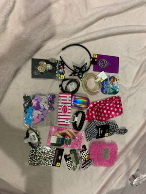 Girls Accessory Lot #10 for Sale in Painesville, OH