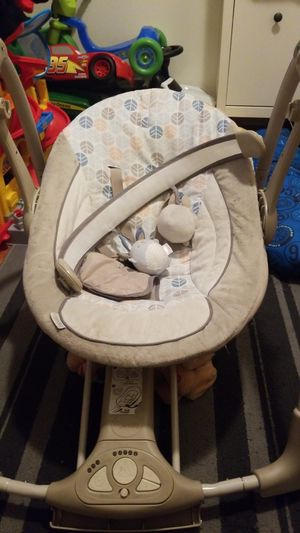 Baby swing for Sale in Paramount, CA