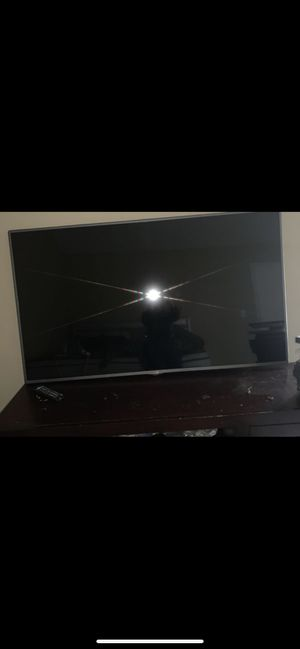"""LG 60 Inch """"NOT SMART TV """" for Sale in Peachtree City, GA"""
