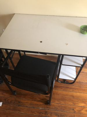 Small Computer desk for Sale in Philadelphia, PA