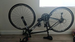 Giant Contend 3 road bike for Sale in Los Angeles, CA