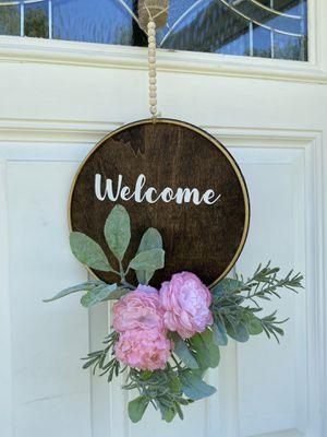 Door hanger decor for Sale in Roselle, IL