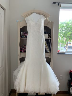 Galina Signature never used Wedding dress for Sale in Hialeah, FL