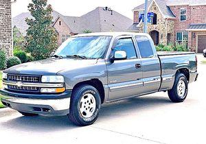 ֆ12OO 4WD CHEVY SILVERADO 4WD for Sale in Clovis, CA