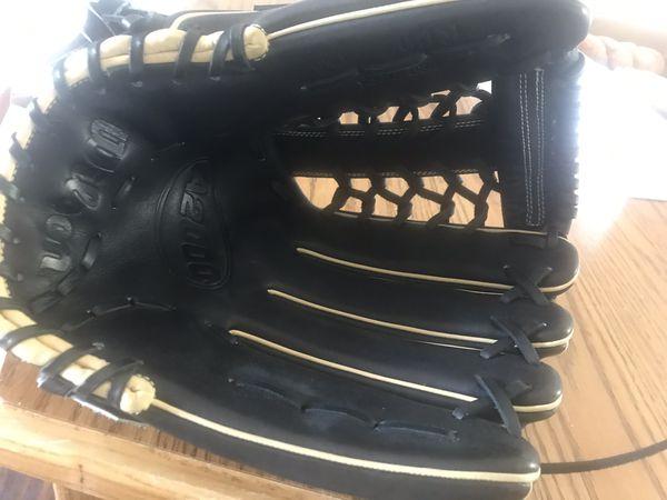 A2000 glove