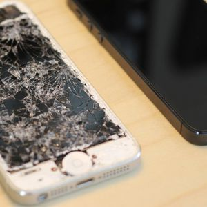 Fix Broken Iphone Screens ( Iphone 5 To Iphone 8) for Sale in Reston, VA