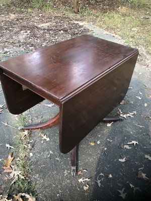 Antique Duncan Phyfe Drop Leaf Dining Table for Sale in Chantilly, VA