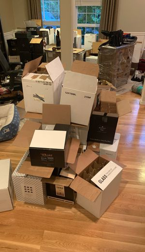 Free wine boxes for Sale in Mill Creek, WA