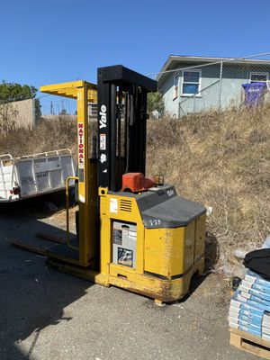 Forklift for sale very good condition for Sale in San Diego, CA